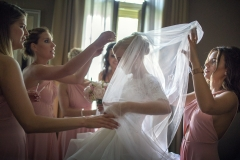 Esküvői Előkészületek, Öltözködés Fotózása